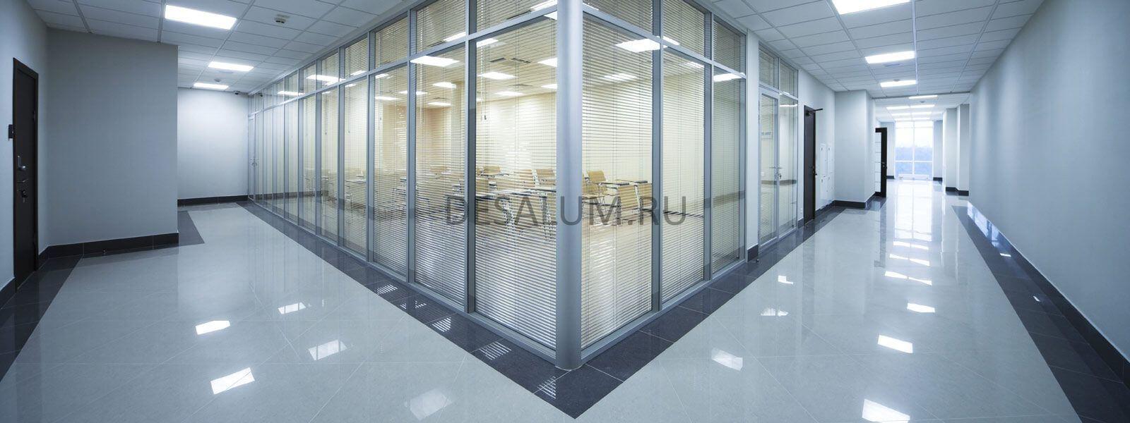 пластиковые перегородки с дверью desalum