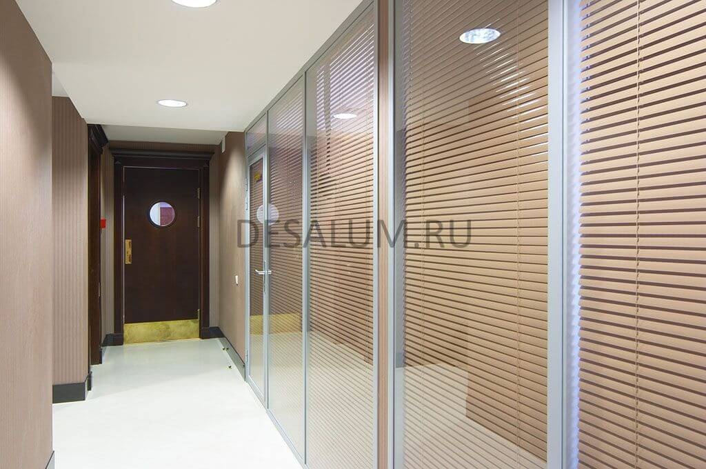Офисные перегородки с жалюзи desalum