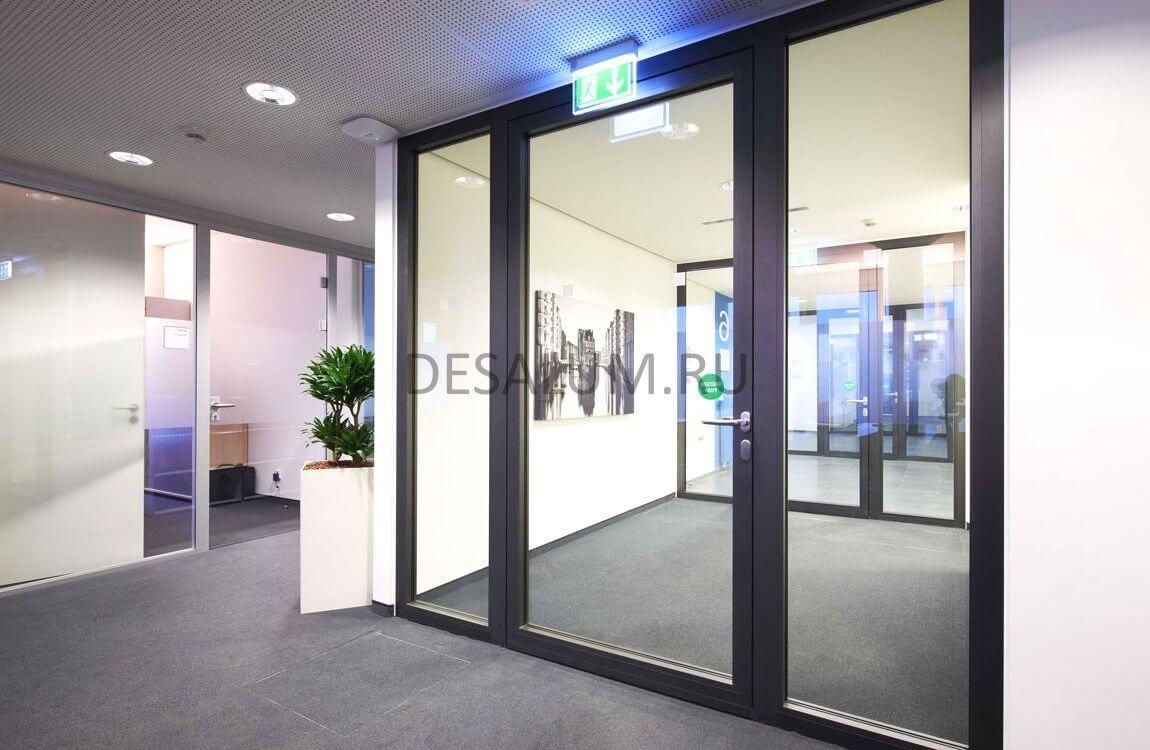 Офисные пластиковые двери desalum