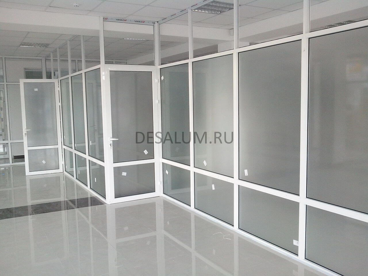 пластиковые перегородки для офиса desalum