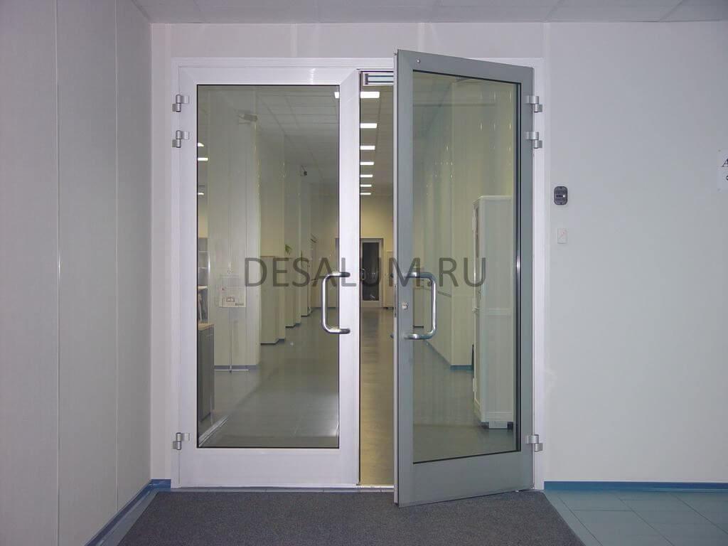 Распашные межкомнатные двери desalum